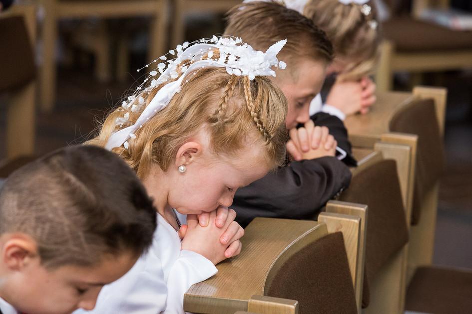 21598912afdfa Am Weißen Sonntag beginnt die Zeit der Erstkommunion-Feiern
